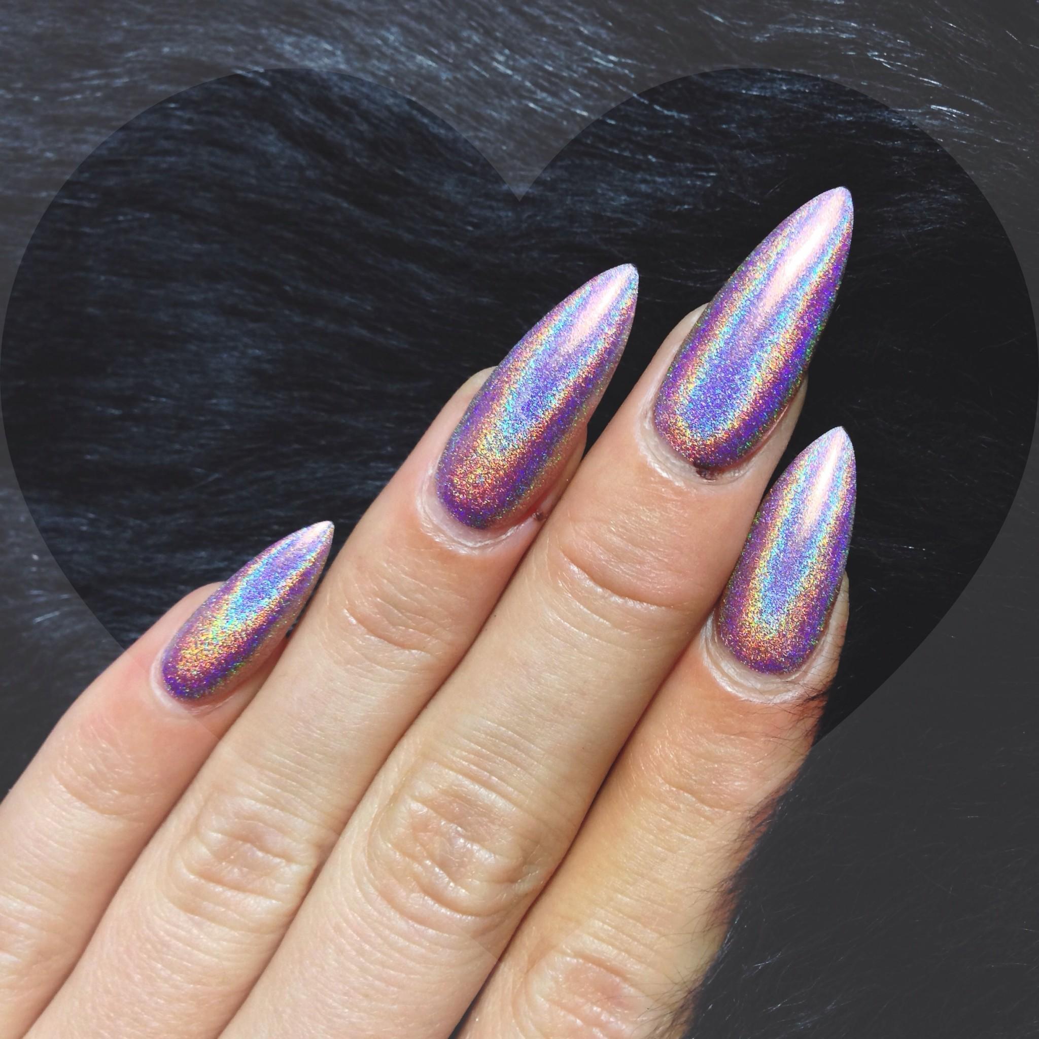 23-pics-of-holographic-nail-designs.jpg